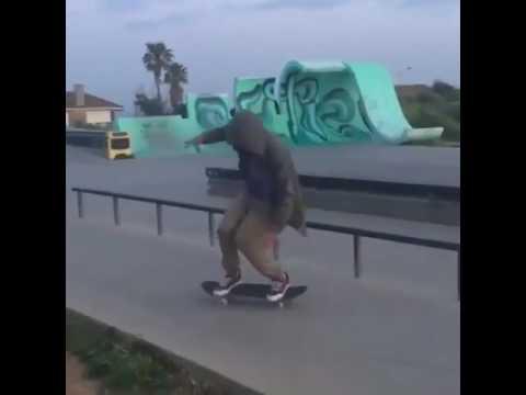 @instatiago 🕴🏻👽🕴🏻 via @sk8mafia | Shralpin Skateboarding