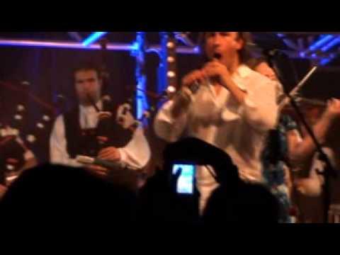 Carlos Nunez et Dan ar Braz - Bagad bro Tolosa - Call to the Dance