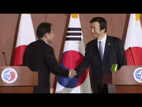South Korea, Japan strike deal on 'comfort women'