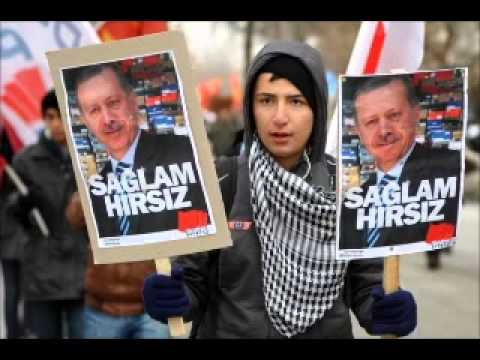 20.000 People In Turkey Protest Against Erdogan In Corruption Scandal