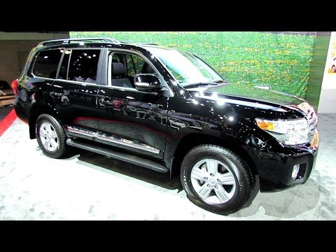2014 Toyota Land Cruiser V8 - Exterior and Interior Walkaround - 2013 LA Auto Show