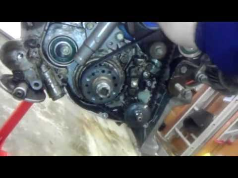 How to change a timing belt. 4g69 engine 2006 Mitsubishi Eclipse GS Part 1