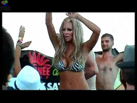 Rtro trance . The Mackenzie . Playa D'en Bossa IBIZA.wmv