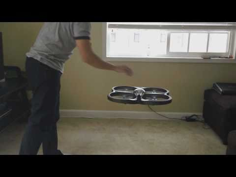Parrot AR-Drone Helicoptero control remoto con Iphone, ipody ipad, apple, brookstone