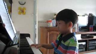 Vivaldi - Spring played by Ethan Poh (4-year-old)