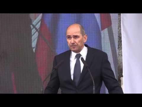 Janez Janša na shodu za obrambo Slovenije