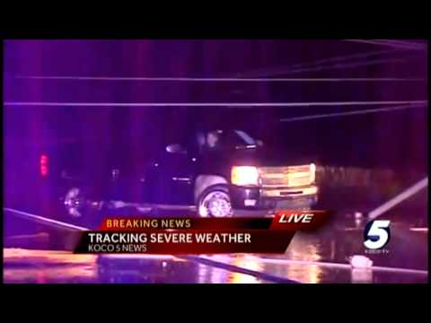 Drivers trapped by downed powerlines in NW Oklahoma City