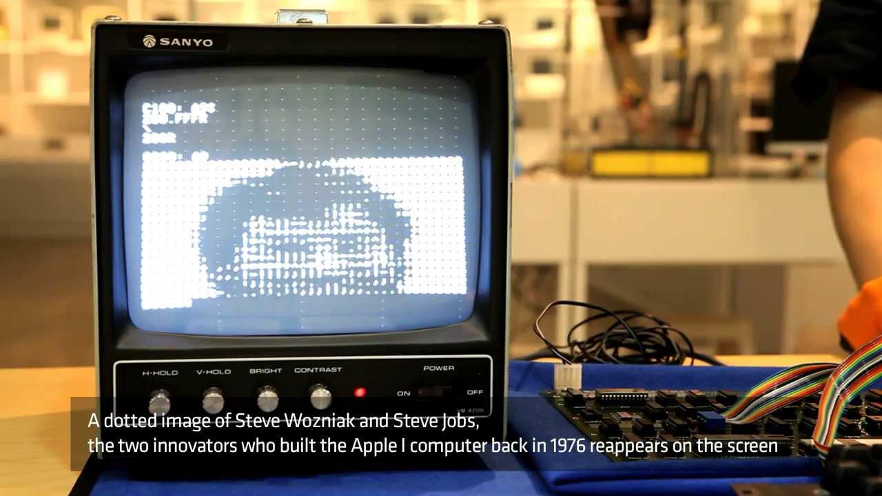 Apple World Apple i 'hello World'