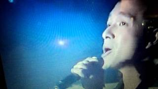 "Jericho Rosales Asap rocks ""Man who can't be moved"" Dec. 18, 2011"