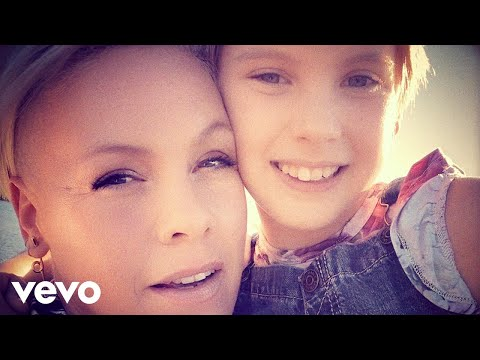 Download Lagu P!nk, Willow Sage Hart - Cover Me In Sunshine ( Video)