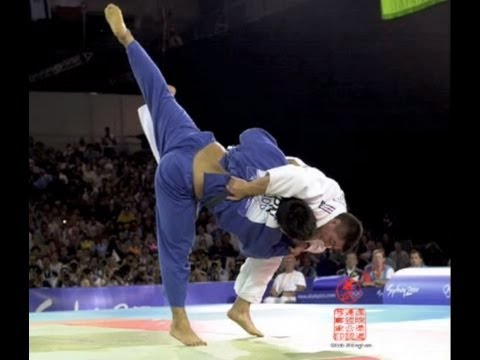 Shinohara vs Douillet ANALYSED !!! — 2000 Sydney Olympic Judo +100kg Final Image 1