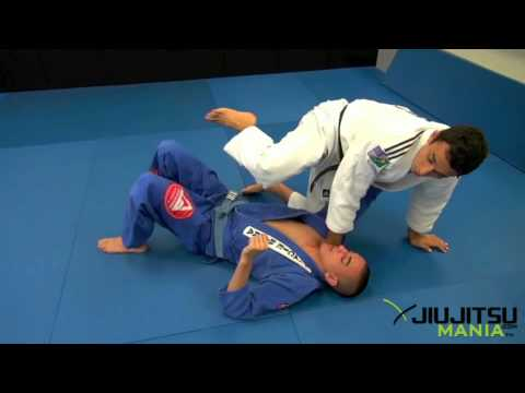 JiuJitsuMania Romulo Barral Knee On Belly.wmv