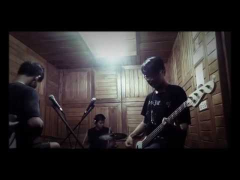 DIVIDE - Titik Dalam Koma (studio cover)