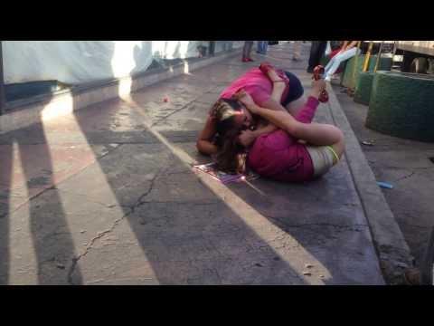 Prostitutas peleando en la calle México DF
