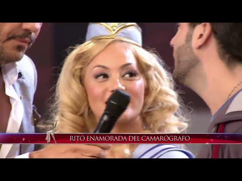 Showmatch 2014 - María Eugenia Ritó y el apasionado beso con un camarógrafo