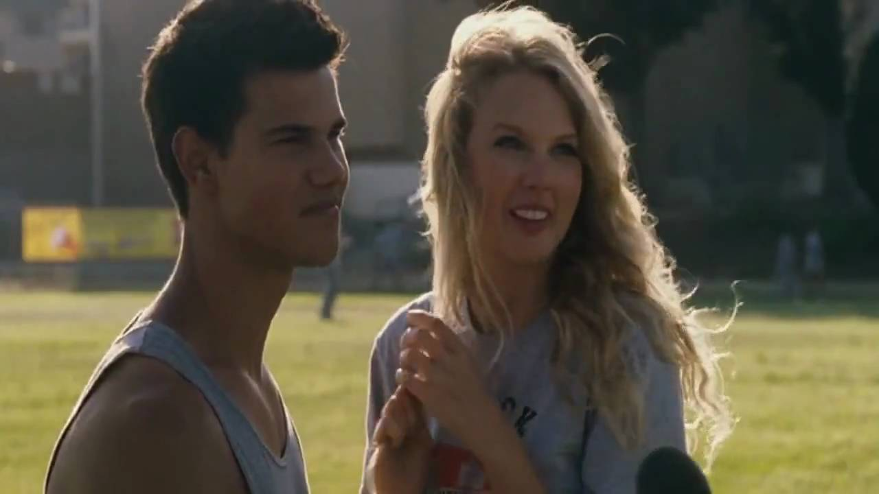 Taylor Swift and Taylor Lautner in Valentine