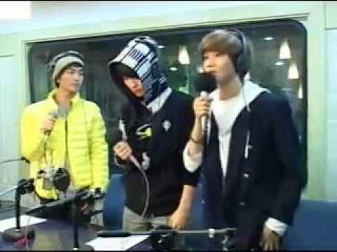 쒤콴빆 SHINee LIVE - 맽띩뽢 Ring Ding Dong (2009 11 03 MBC RADIO FM4U) [www.keepvid.com].mp4