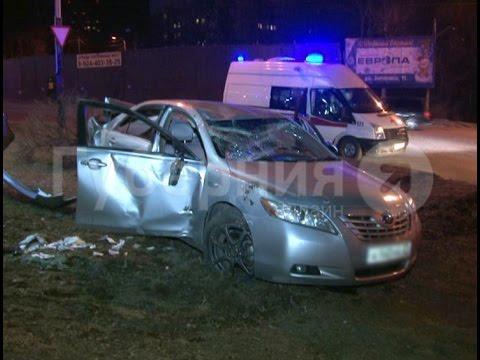 Авария с участием четырнадцатой модели lada и грузовой машины маз произошла на улице свободы в уфе