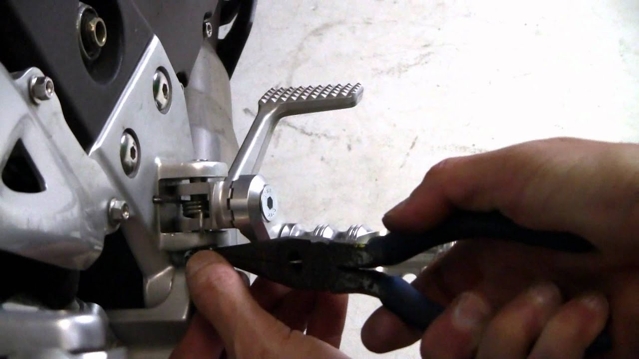 How To Install Mfw Adjustable Motorcycle Footpegs Youtube