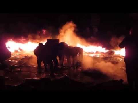 Euromaidan Activists Fight At The Barricades In Kiev, Jan 22 2014