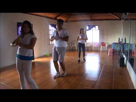 LA MUCHACHA TURCA (el beso)- en ZUMBA CUETZALAN