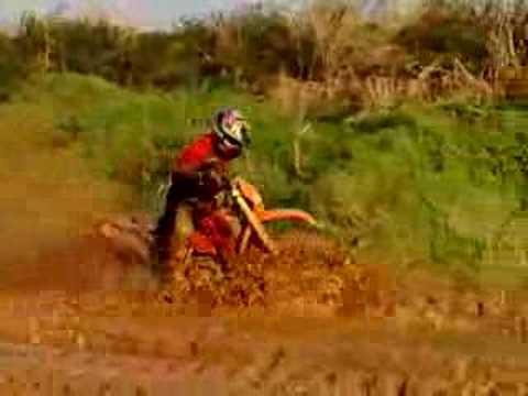 Ktm 125 Duke Stunt. KTM 125 Duke 2011 : 1ère vidéo