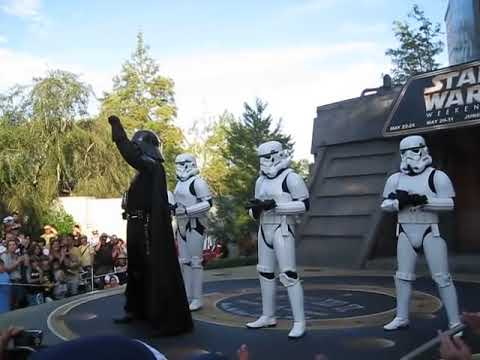 Vader Dances to Hammer You Can't Touch This Dance: Star Wars weekends 2009 Disney