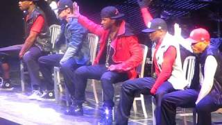 Usher Dancing on his OMG Tour at Jobing.com arena