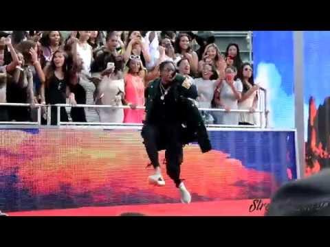 Travis Scott + 2 Chainz LIVE at BET Awards Pre-Show