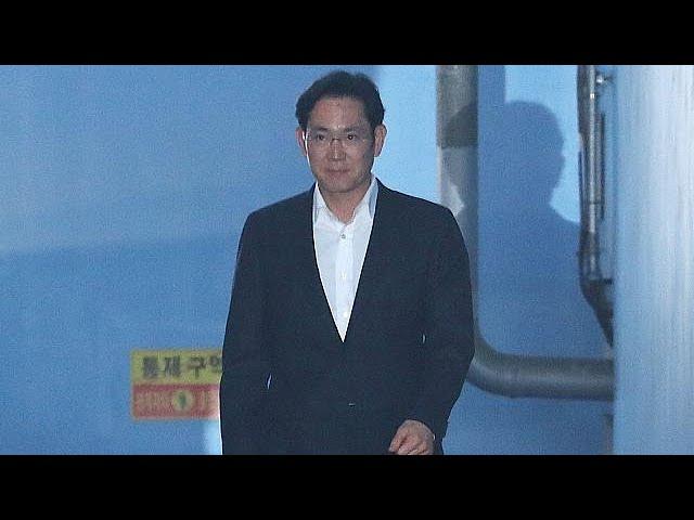 South Korean appeals court frees Samsung heir Lee