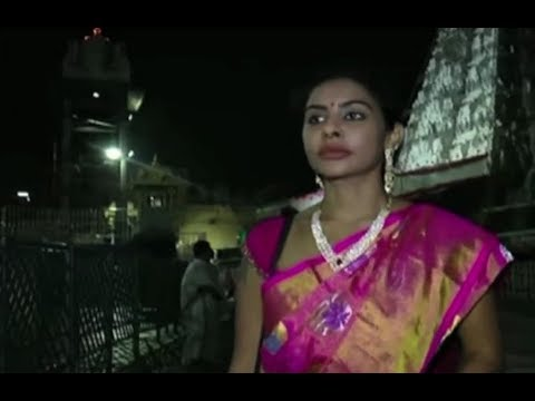 Controversial Actress Sri Reddy Visited Tirumala Tirupathi | Studio N