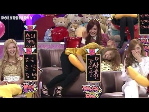 소녀시대 Snsd - Here Comes The 9 Funniest Girls video