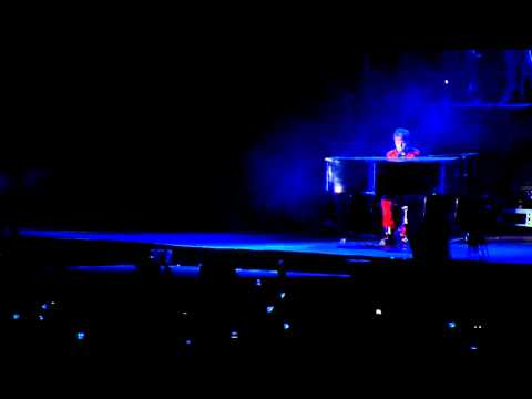 Down To Earth - Justin Bieber Live Santiago, Chile - 15 Oct video
