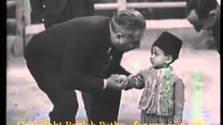 فيديو حصري و نادر للملك الحسن الثاني و هو يغني