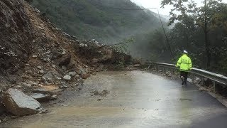 Live: Fight with mudslide in NW China突发泥石流,抢险救援正在进行