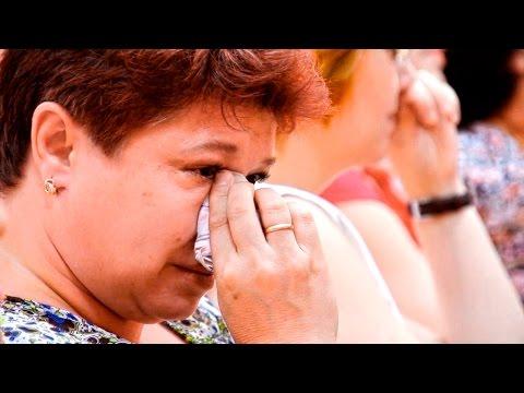 ДО СЛЕЗ''' благодарность для мам от выпускников школы #мамаплачет