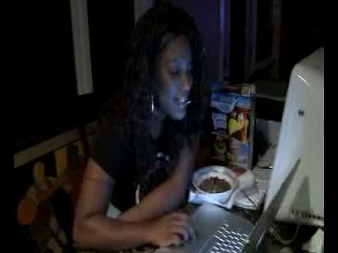 GANGSTA BOO VLOG PART 2 EATING COCOA PUFFS AND LISTENING TO BEATS Video