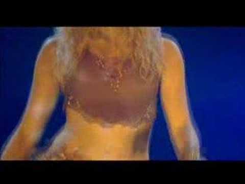 Shakira bellydancing