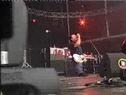 Manic Street Preachers - The Masses Against The Classes live