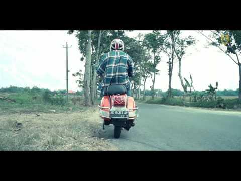 SRAGEN KOMPILASI   Sun farasta - Kuda Baja ( Vespa)   (Official Music Video)
