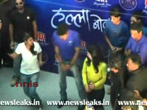 TEAM RAJASTHAN ROYALS DOES HALLA BOL IN JAIPUR.flv