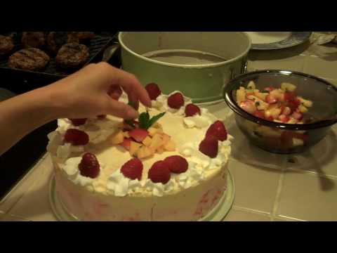 TOMOKO'S KITCHEN Wheat + Gluten Free Ice Cream Cake
