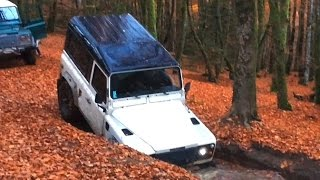 Two Land Rover Defender Autumn in the forest - Morvan P4 10/15