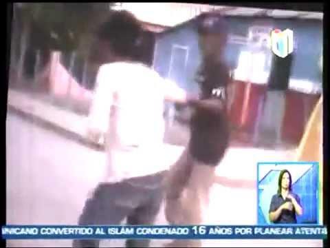 Viejo le da agolpia a su mujer en plena calle en San Juan de la Maguana