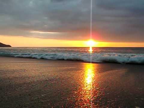 Pôr do Sol entre o oceano Pacifico eo Indico