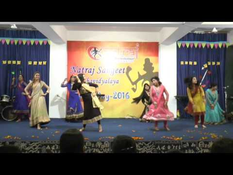 Natraj Sangeet Mahavidyalaya Ladies Batch Performing Bollywood Dance