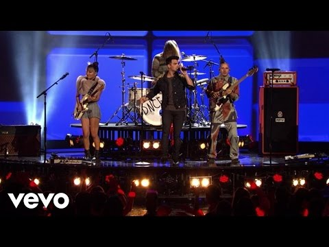 DNCE - Cake By The Ocean (Live From The 2016 Radio Disney Music Awards) #1