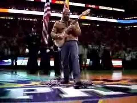 Kevin Eubanks performing National Anthem