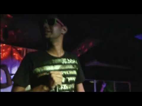 Descargar Mp3 de Jiggy Drama La Flaca gratis - 3:56 minutos