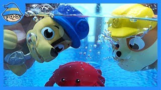 Paw Patrol Explore the water. Paw Patrol blowing water with toys.